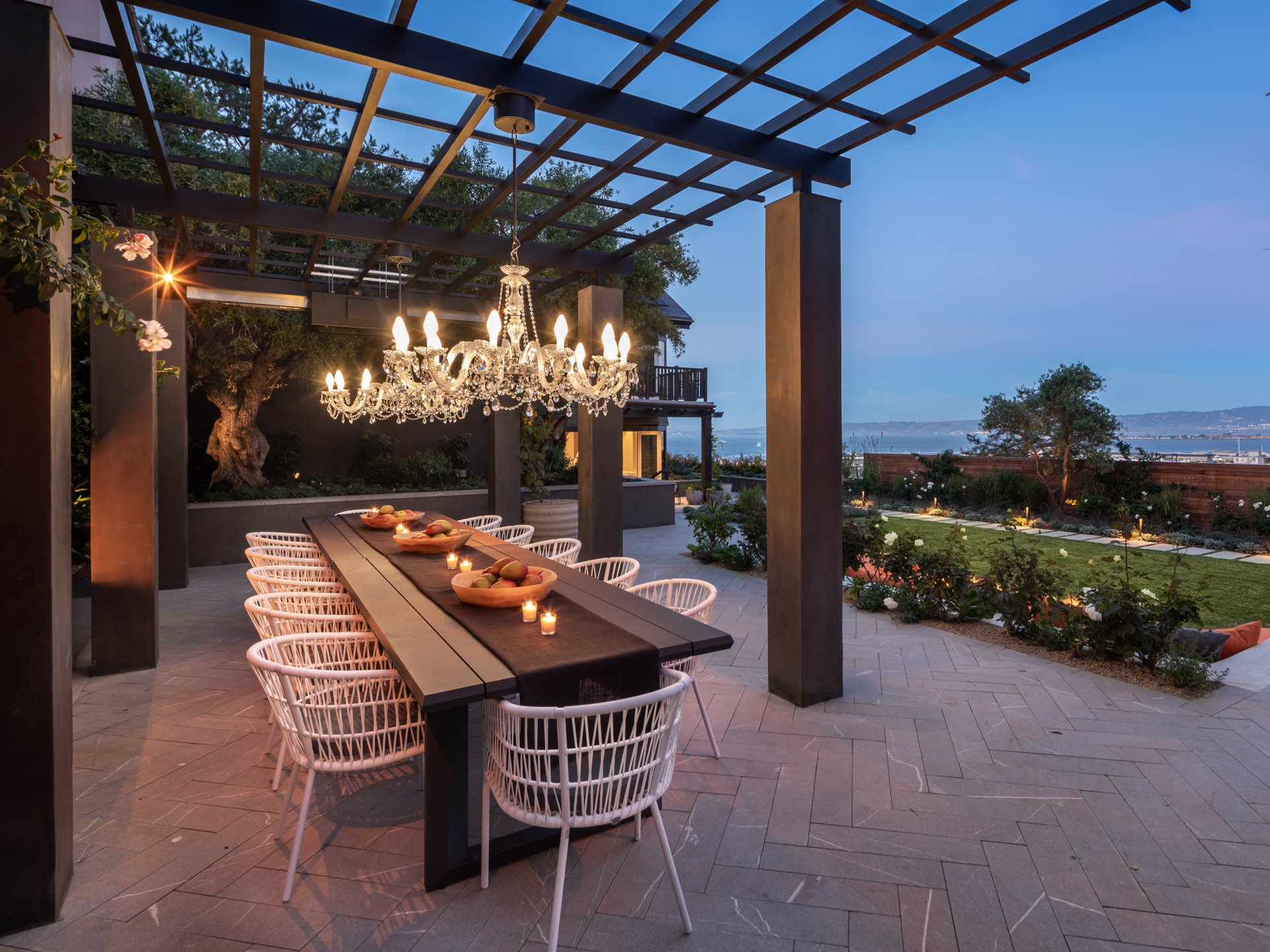 950 Lombard Street - Outdoor Dining