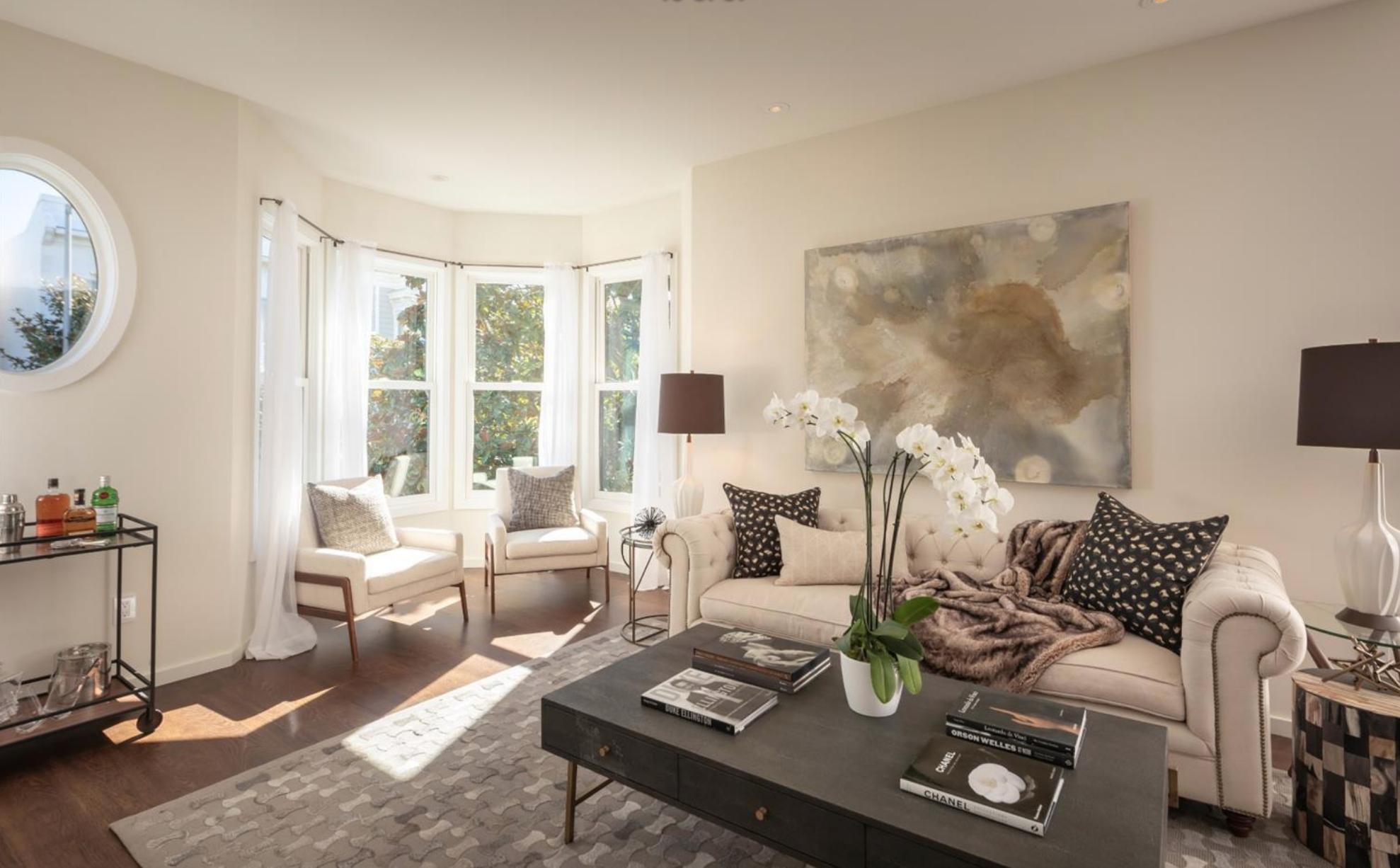 1735 Lyon Street - Living Room