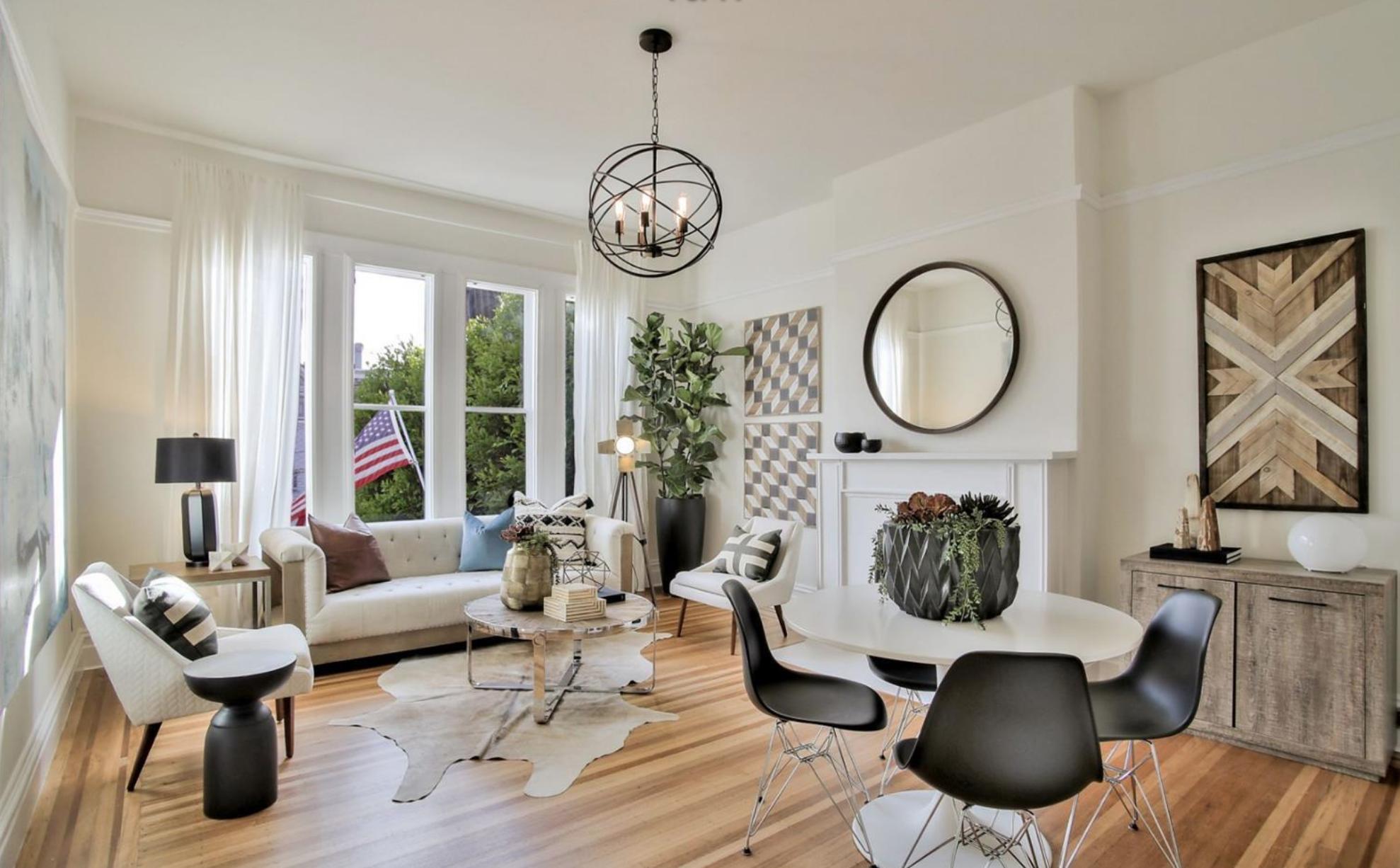 3132 Washington Street - Living Room