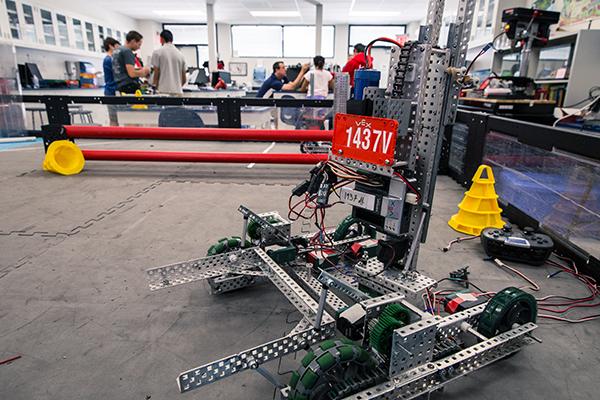 Robotics 1437V_Small.jpg