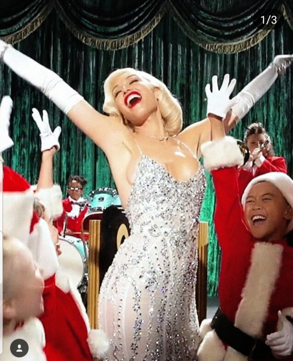 GWEN_MILANA_YOU MAKE IT FEEL LIKE CHRISTMAS.jpg