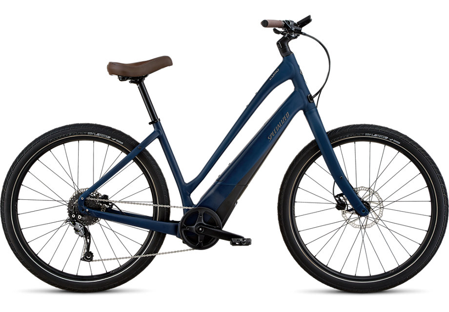 """TURBO COMO: - - Upright geometry with comfort in mind,- Step-through models provide for easy mounting and dismounting,- 650b x 2.3"""" Nimbus II Sport Reflect tires allow for smooth rolling on and off pavement,- Calculate range."""