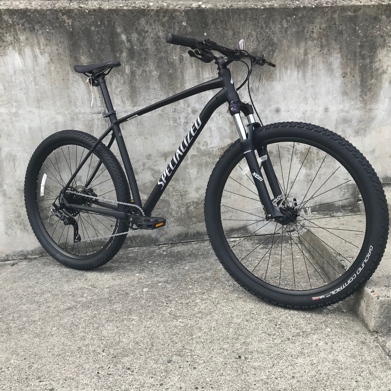 Specialized Rockhopper Comp 29 1X - $730Sizes available: Medium, Large, Extra LargeWe are happy to order you any size or model you need.