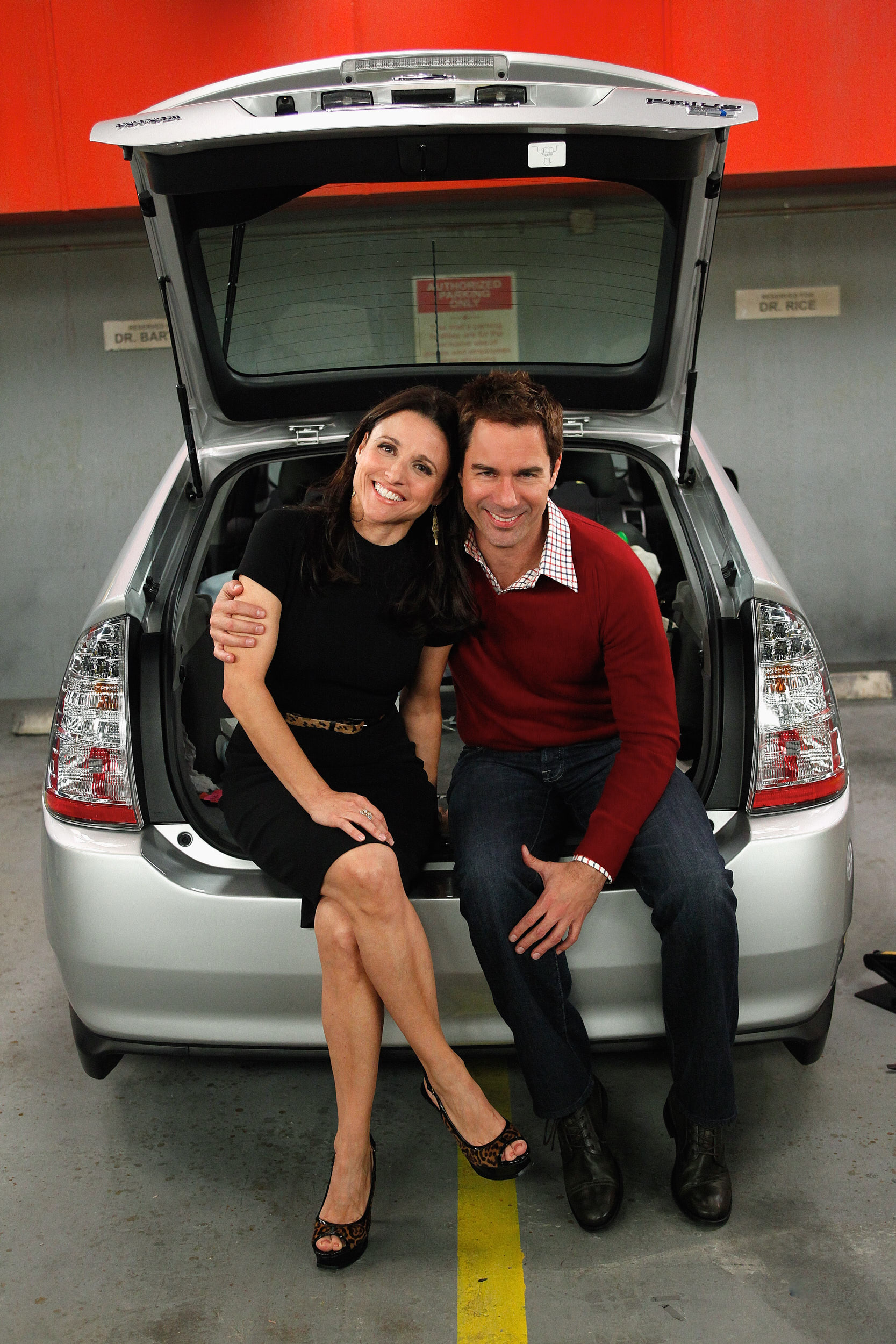 Julia Louis-Dreyfus & Eric McCormack
