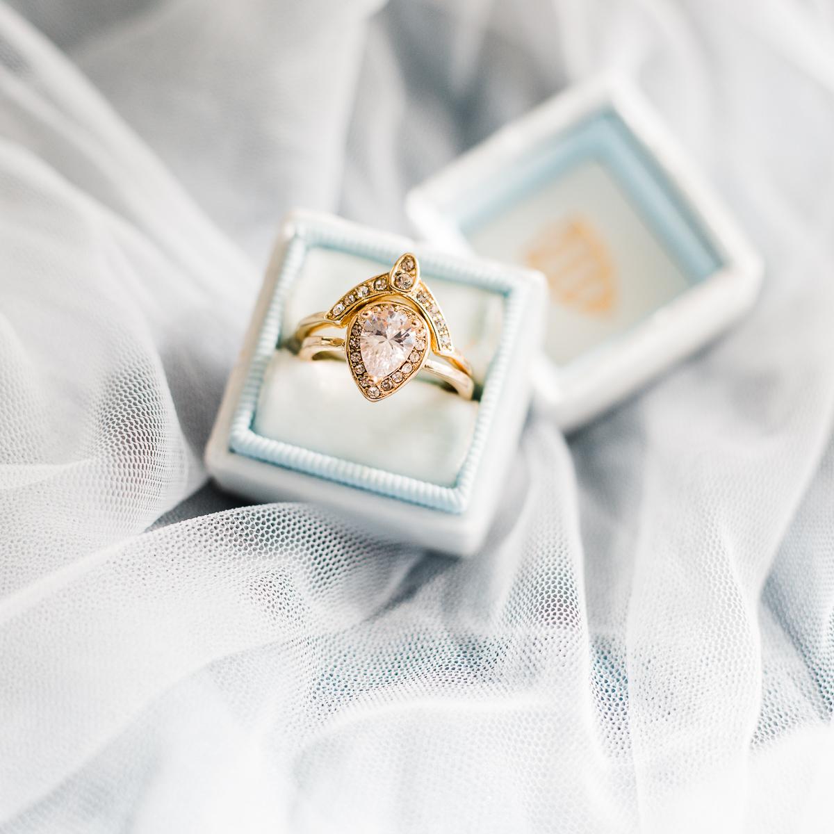 WEDDINGS $2100 -