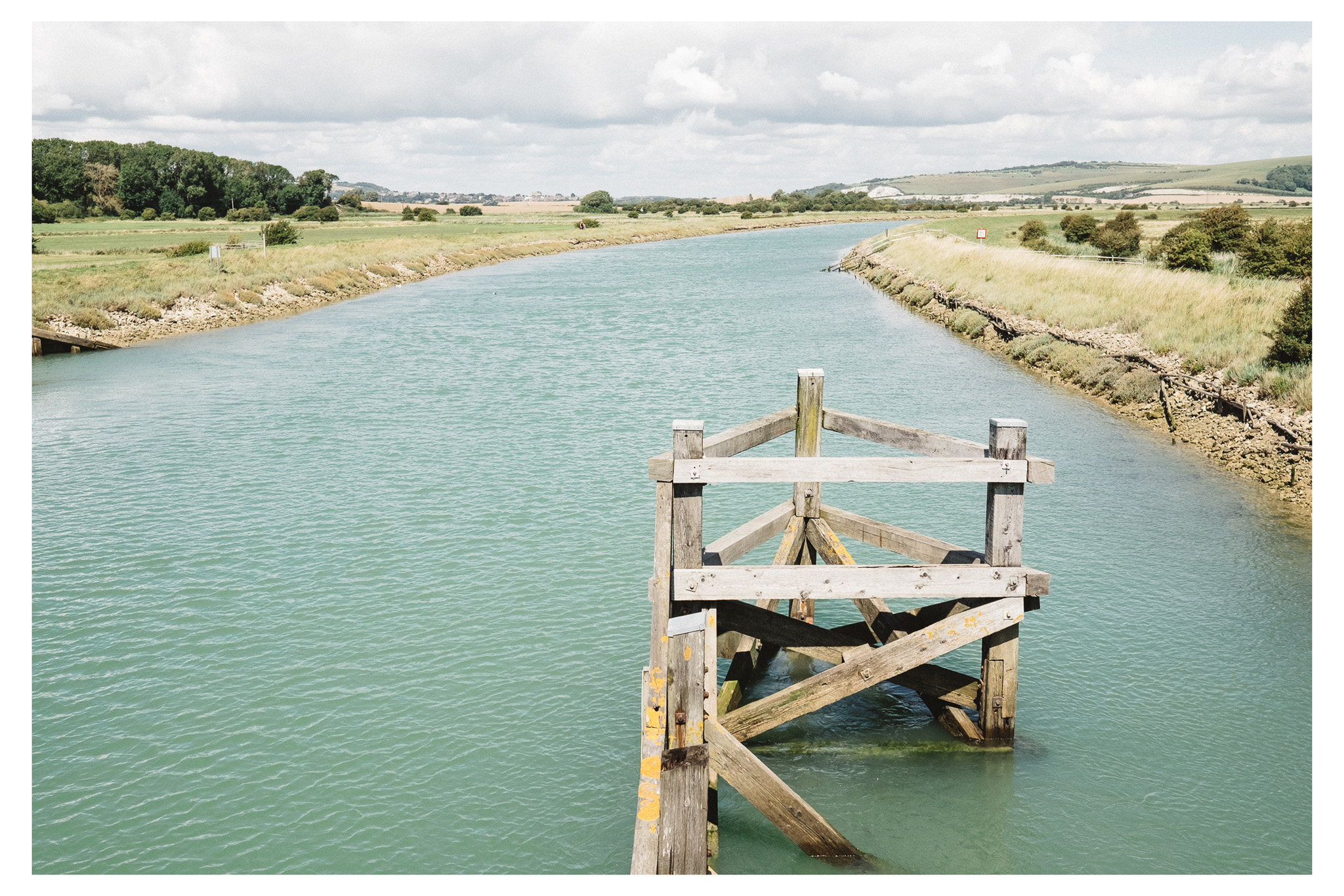 Lewes to Southease is an easy to moderate walk along the River Ouse in East Sussex. Retreat is a Sussex based blog focused on natural living.