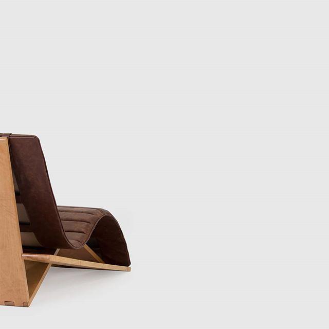 2.01 Chaise Longue. . . . #ayle#ayledesign#elegant#minimalism#timeless#interiordesign#interiorinspiration#productdesign#furnituredesign#furniture#furnitureonline#home#handmade#craftsmanship#woodworking#wood#solidwood#leather#chair#chaise#longue#madeinportugal