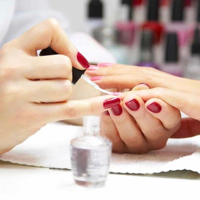 Would you like to gain more experience as a nail tech? An outstanding nail salon based within Sheffield is keen to find a technician to support their team. Full support and in depth training will be provided. A qualification or working towards one is highly desirable. An excellent way to build upon your current skills whilst expanding upon your CV experience. Keen to hear from former students. Please Email for more information 😊 #nails #nailtech #nailtechnician #beauty #sheffield #sheffieldbusiness #ecclesallroad #nailsofinstagram