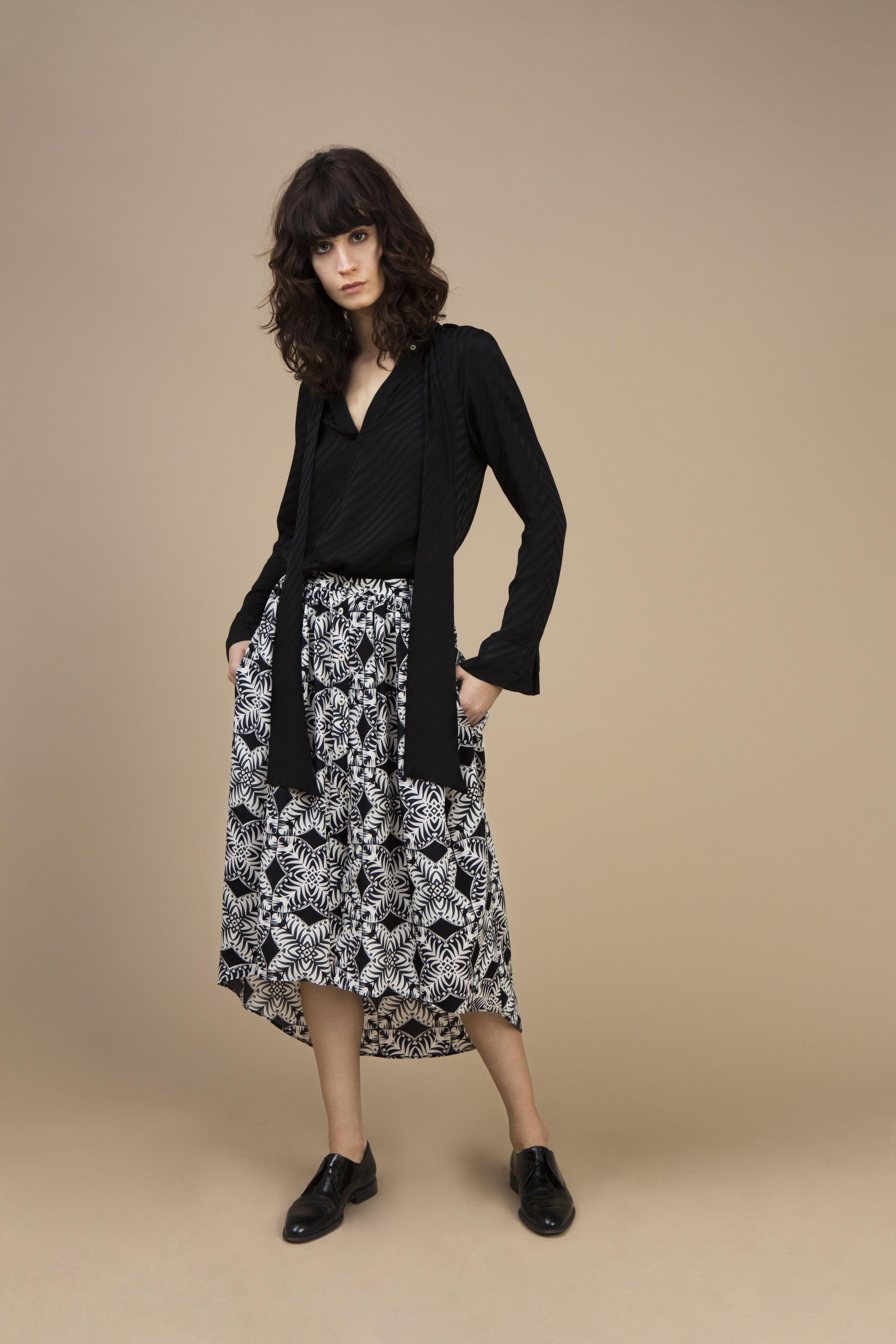 Crepe satin silk Ascot top - stripy black and crepe silk Long and asymmetric skirt — Kaleidoscope