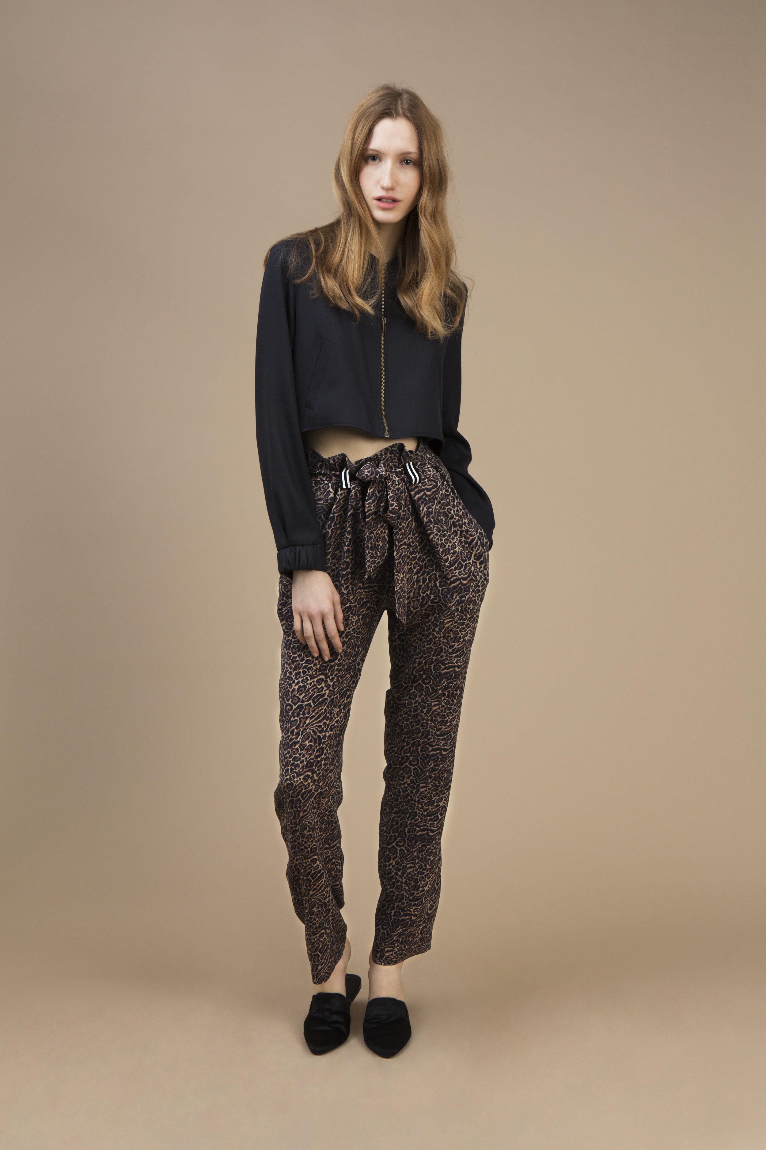 Black velvet Mini teddy jacket and Highwaist pant in crepe silk — Wild Cat