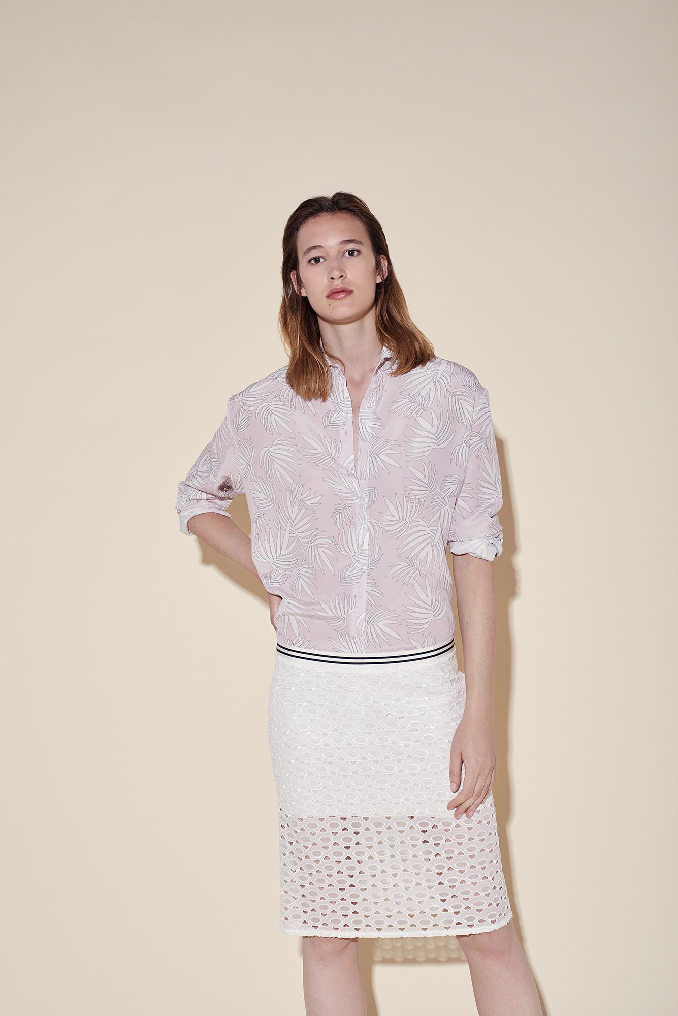 Man shirt silk crepe tropical pink – straight cut skirt silk broderie white