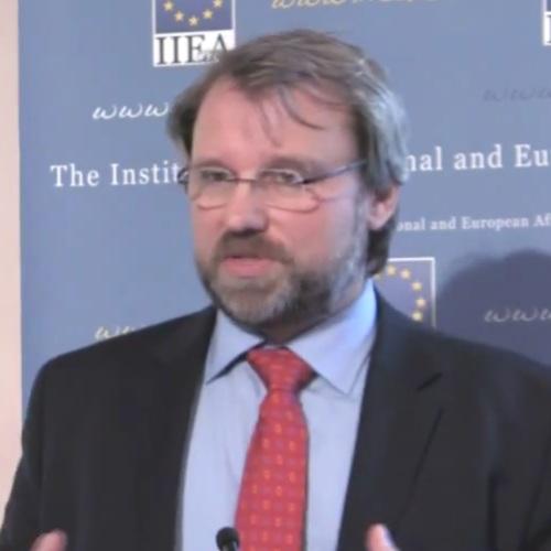 Wolfgang Münchau economics finance speaker
