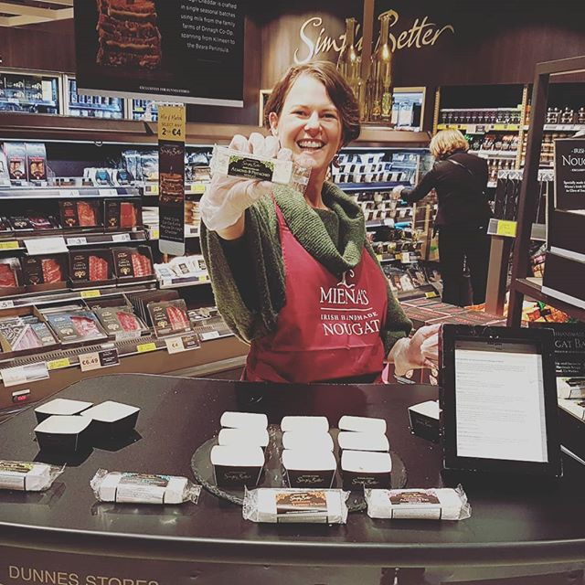 I'm Very excited today for being in @dunnesstores doing a nougat tasting for @simplybetterds !! Pop in if you can 😋