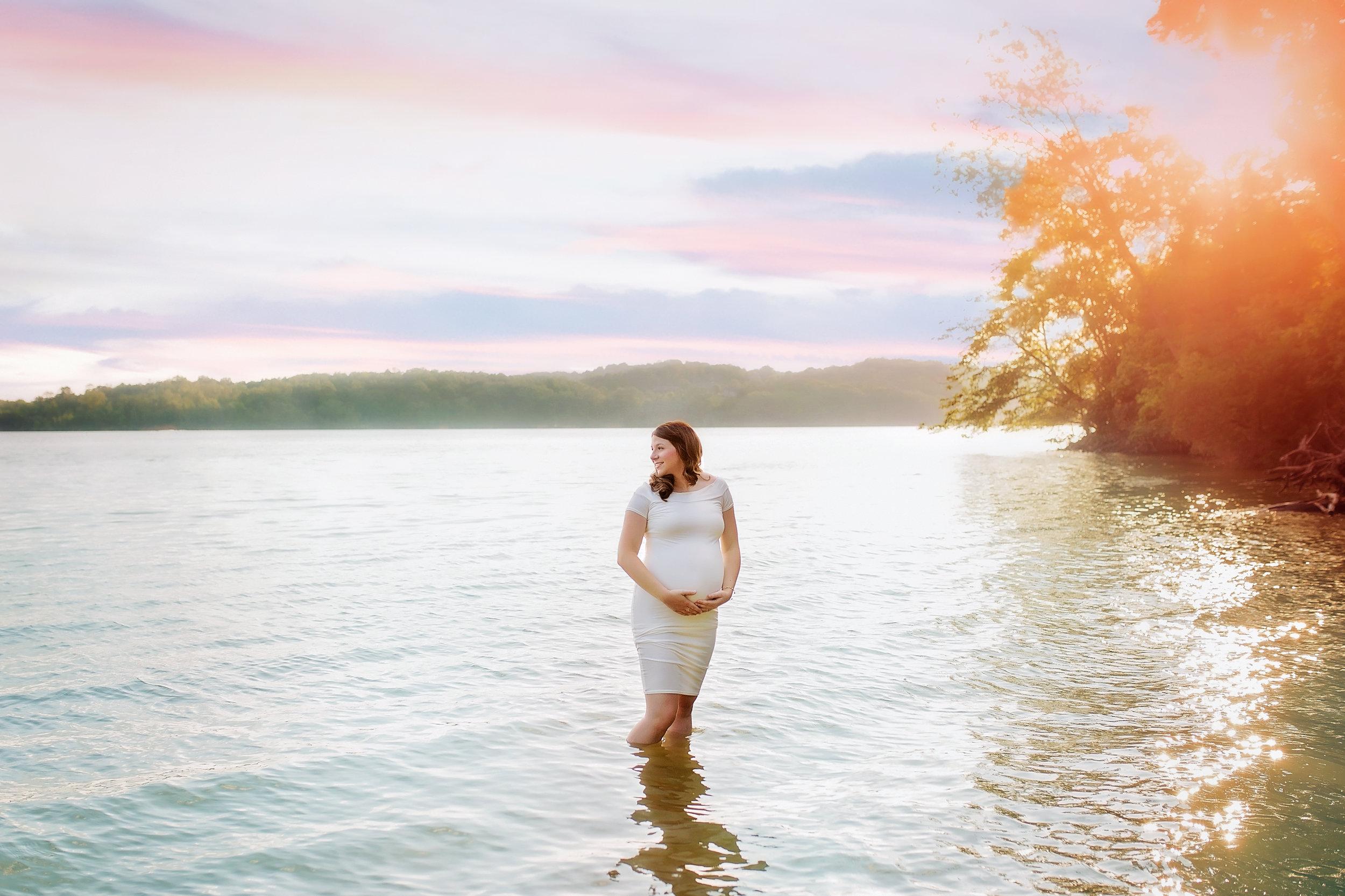 Deluxe Maternity -