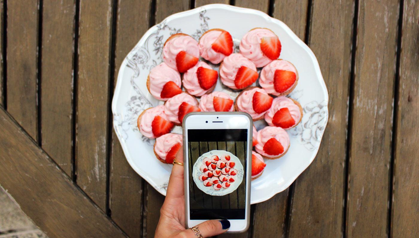 Strawberry Vanilla Cream Mini Cupcakes
