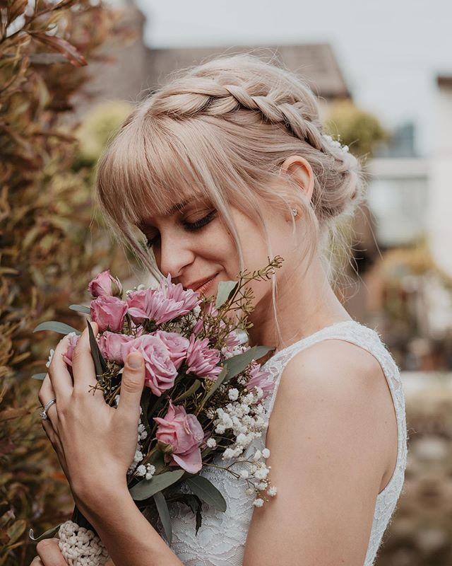 Bridal updo on this beauty @dapperhannah 😍  Photographer: @madelinesnorth Wedding coordinator: @theweddingplannerla . . . . . . #beauty_by_nikkip #losangeles #hairstylist #instahair #wedding #love #work #photooftheday #fun #blonde #art #hairofinstagram #model #beautiful #instagood #styling  #hairgoals #love #losangeles  #bride #portaitsla