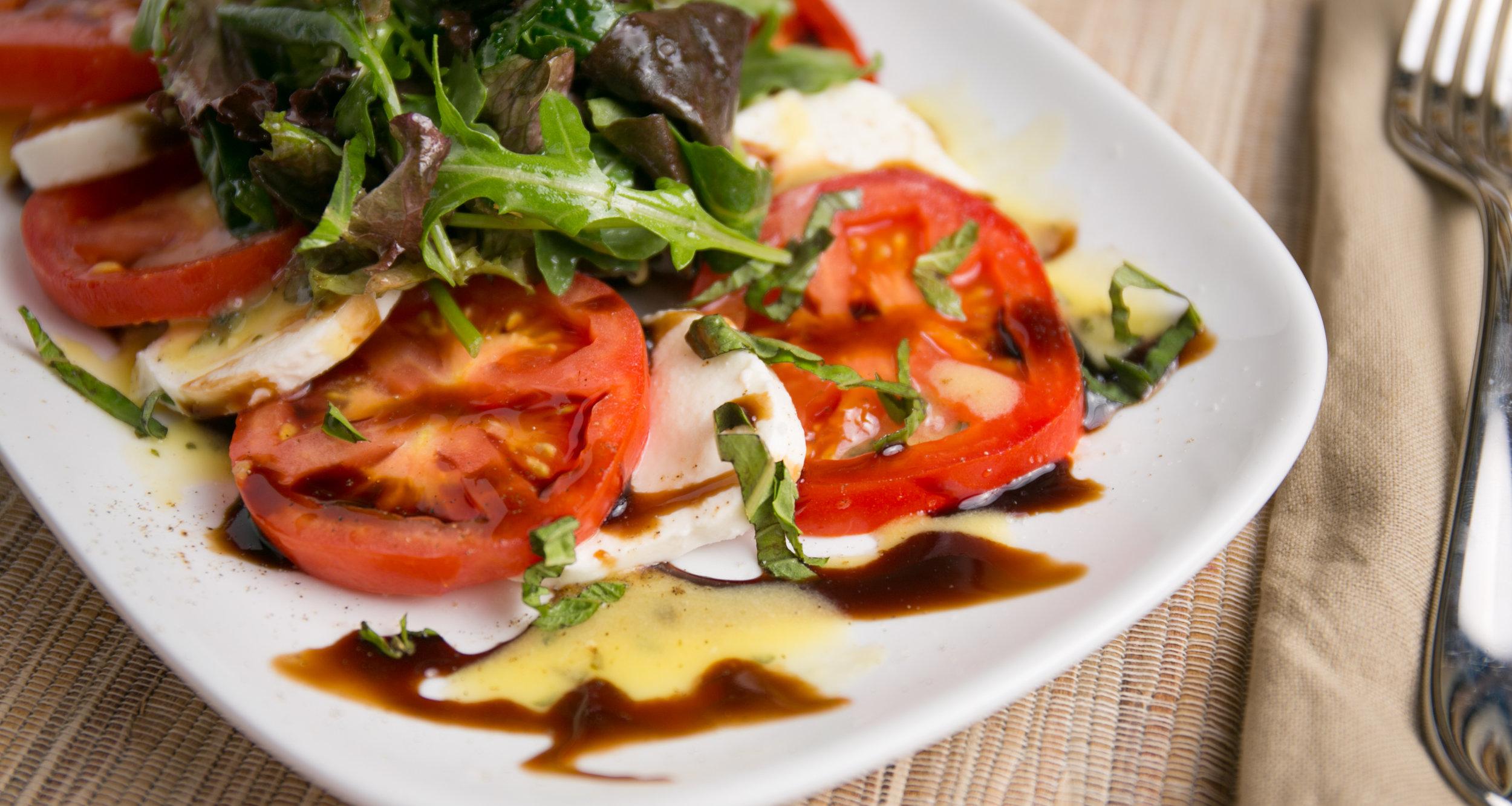 Brio Tuscan_Tomato Caprese Salad_06.jpg
