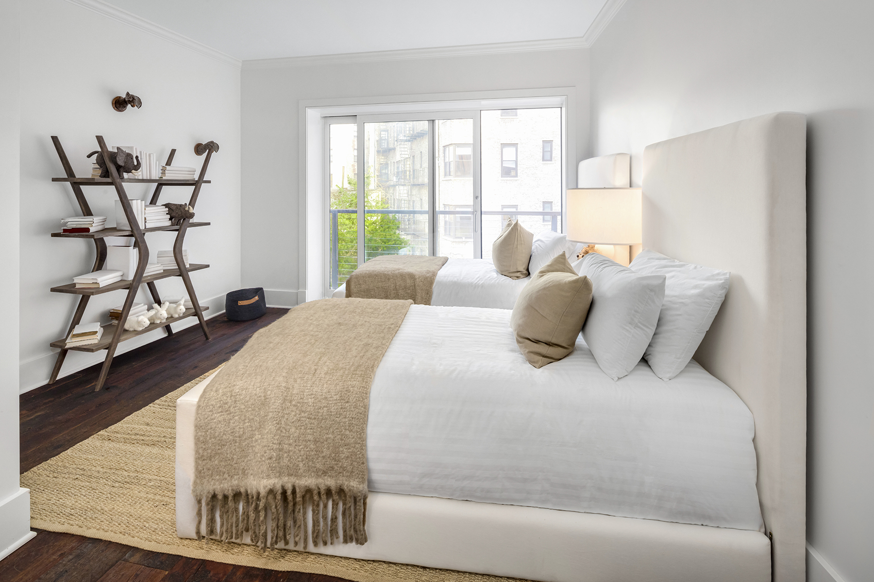 4_bedford_Twin Bedroom.jpg