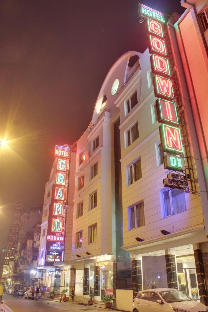 hotel-godwin-exterior.jpg