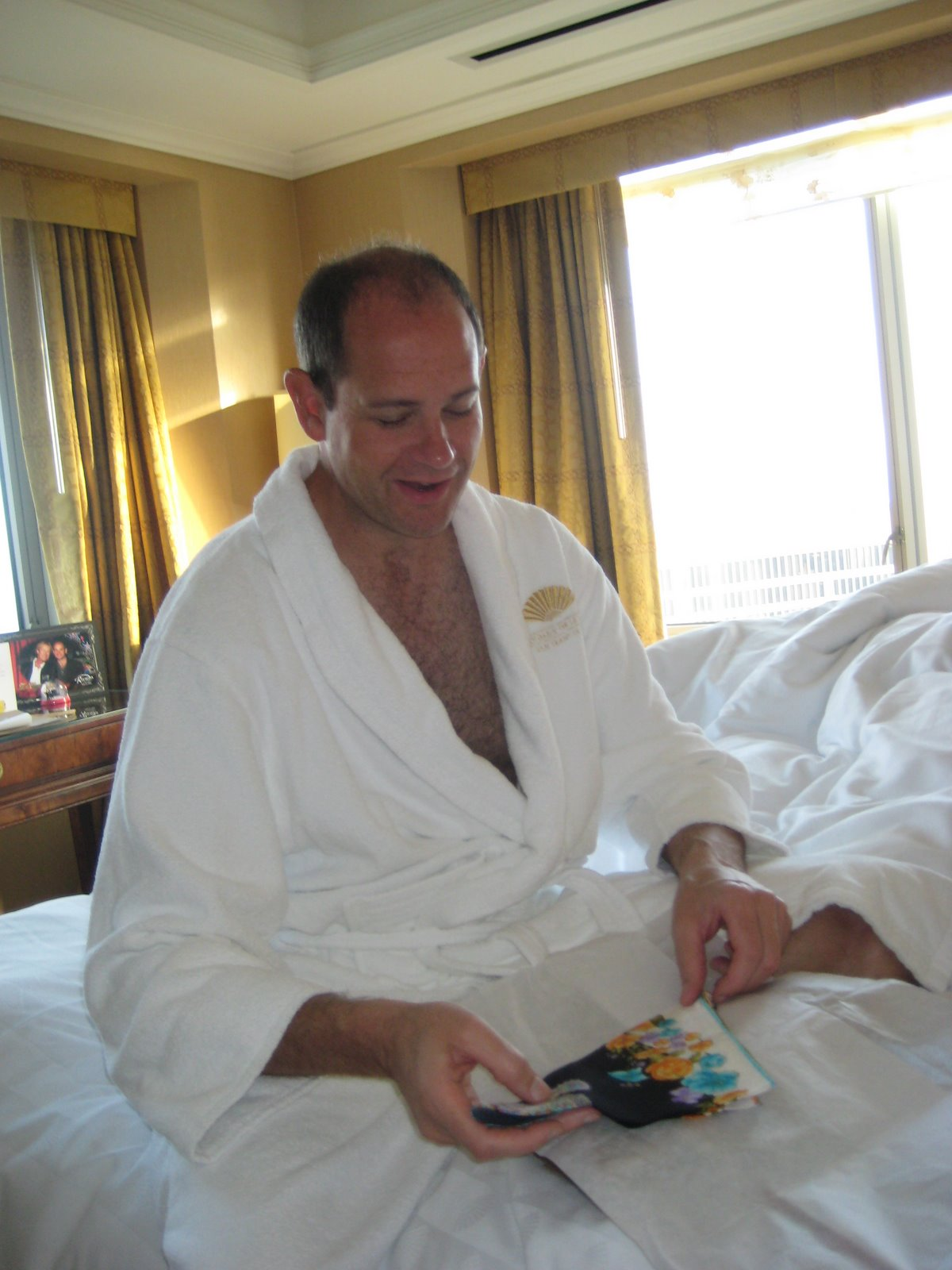 Paul-hotel_bed.jpg
