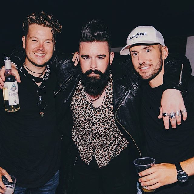 Big fan of these two. Taken on the @nashvillemeetslondon party cruise with @bucknbullldn. Proper night. 🎉