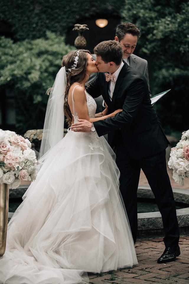 caitlincovingtonweddingvideosoutherncurlsandpearlsweddingvideocharlestonwedding