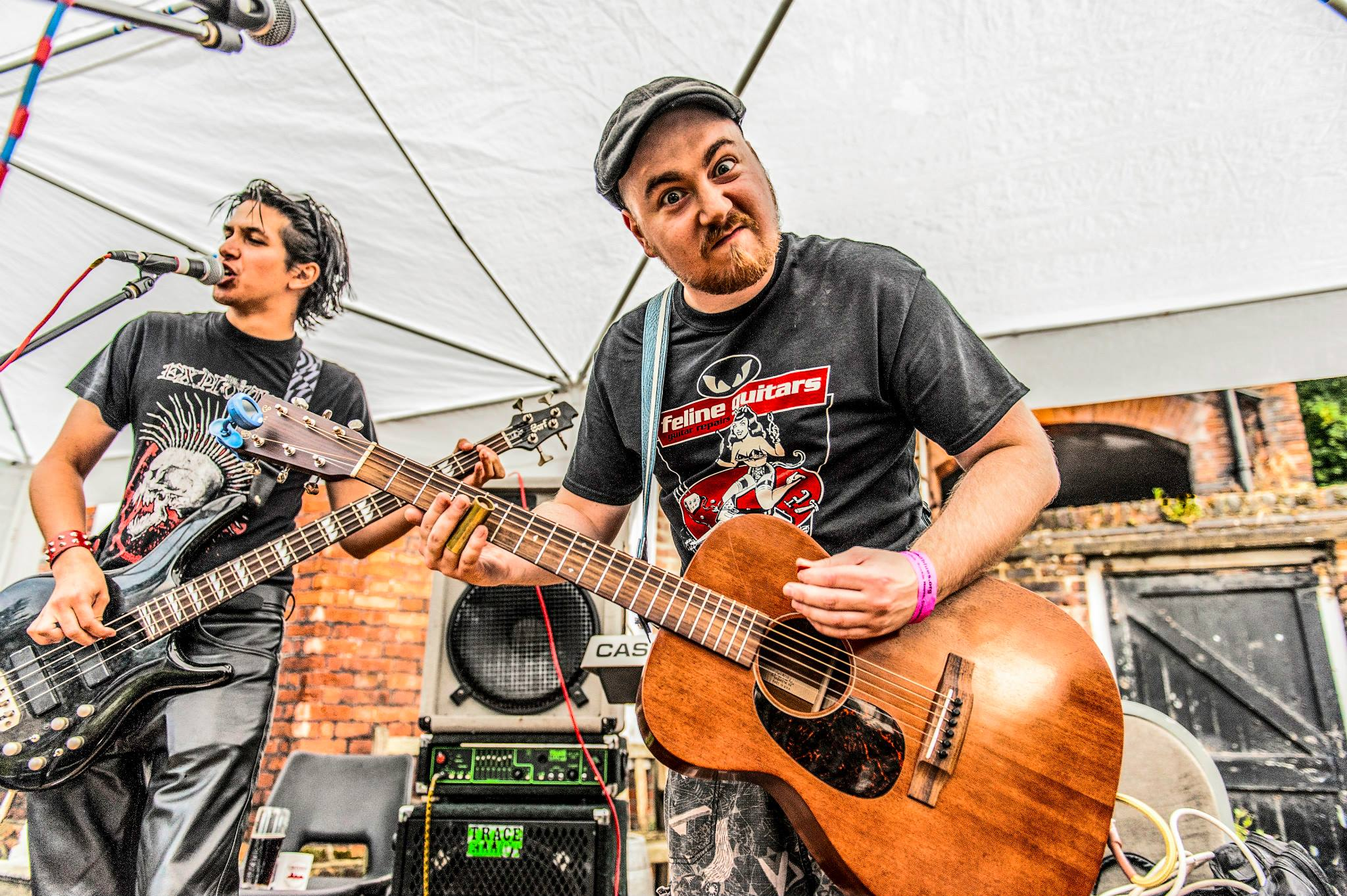 miLarKey performing at folk & blues festival - Photograph courtesy of Pete Thor Photography