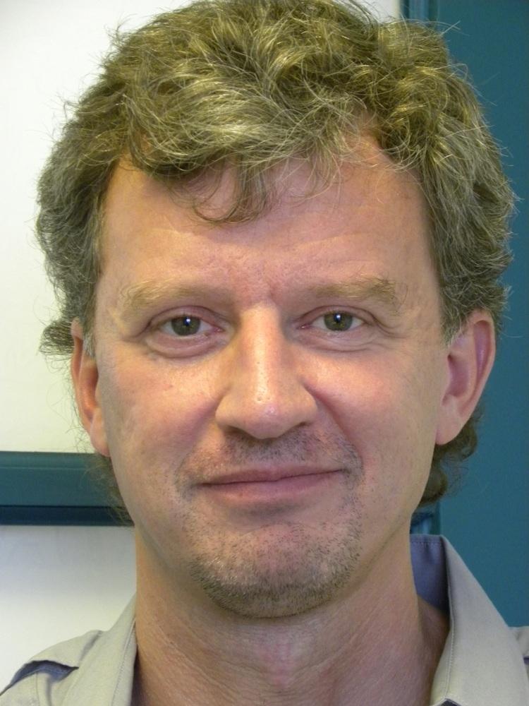 Dr. Benedikt Fischer