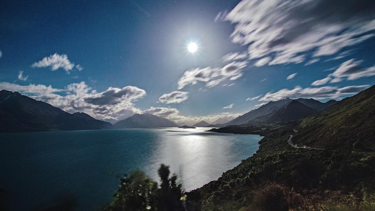 Queenstown - Glenorchy - Scenic Road - Moonrise - NZ