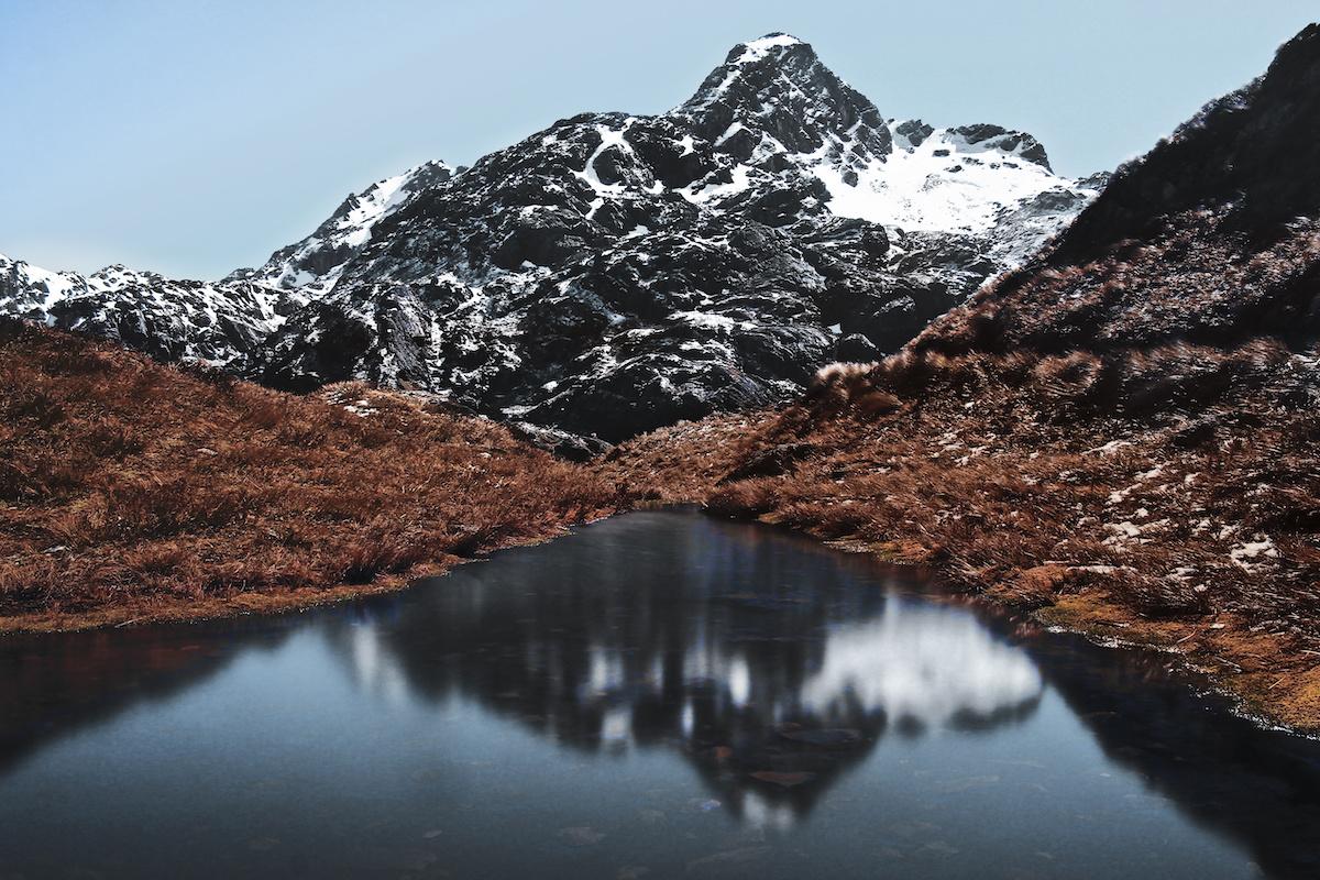 Routeburn Track - Mountain - Alpine Lake - NZ