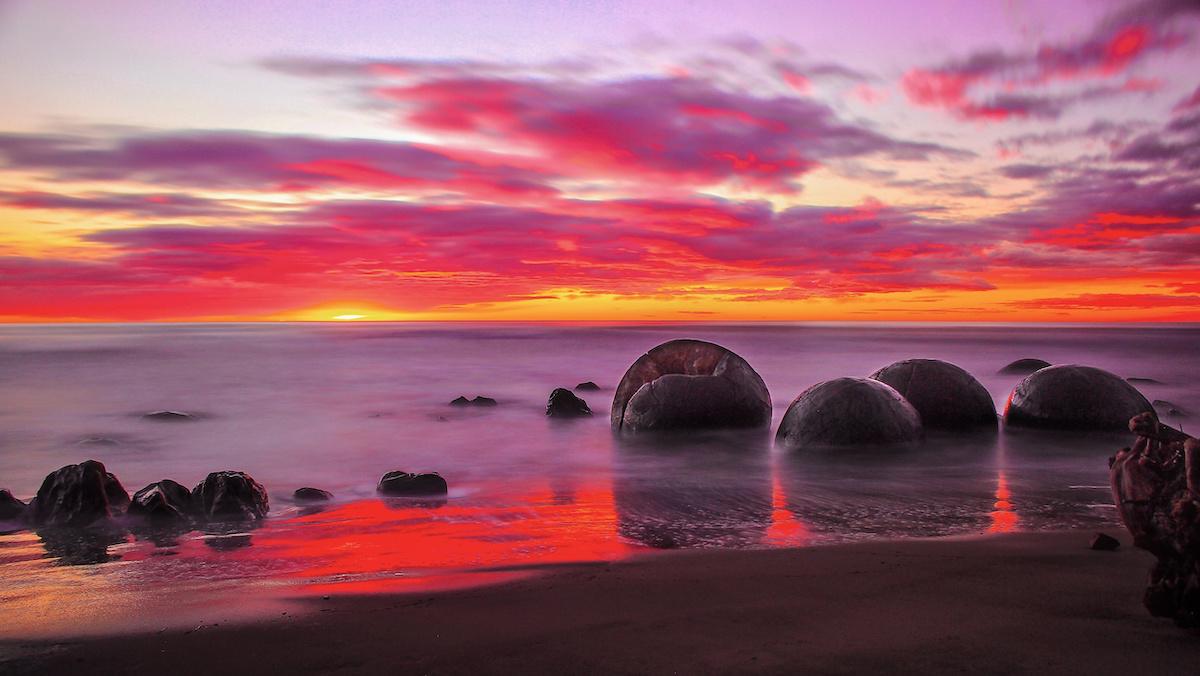 Moeraki Boulders - Oamaru - Otago - Sunrise - NZ