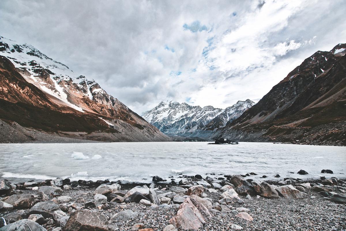 Hooker Valley - Lake - Mount Cook - NZ