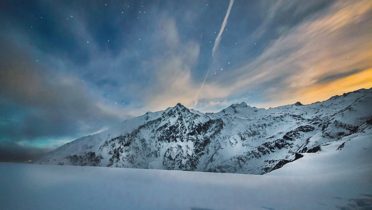 Brewster Hut - Moonrise - Mountains - Stars - Mt Aspiring National Park - NZ