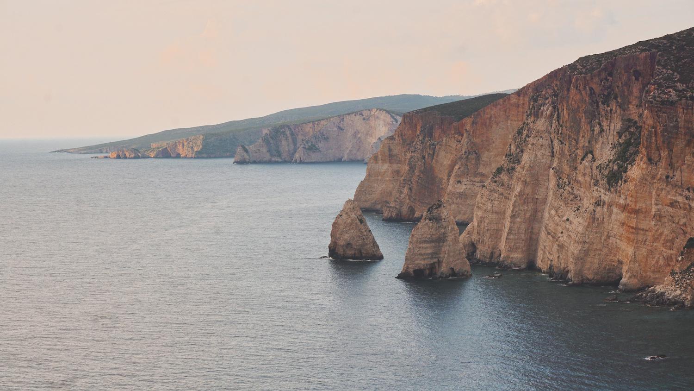 Plakaki - Flat Rocks