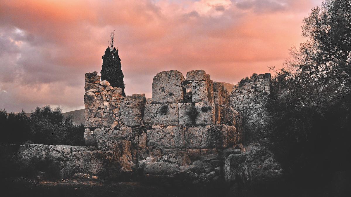 Old Ruins 2.jpg