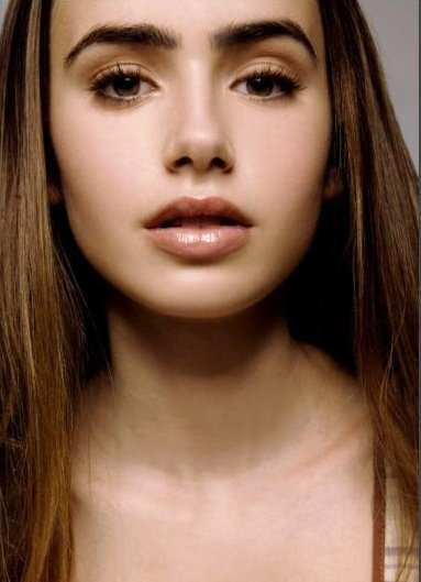 I know like three things about Lily Collins, and one of them is that I'm obsessed with her eyebrows.
