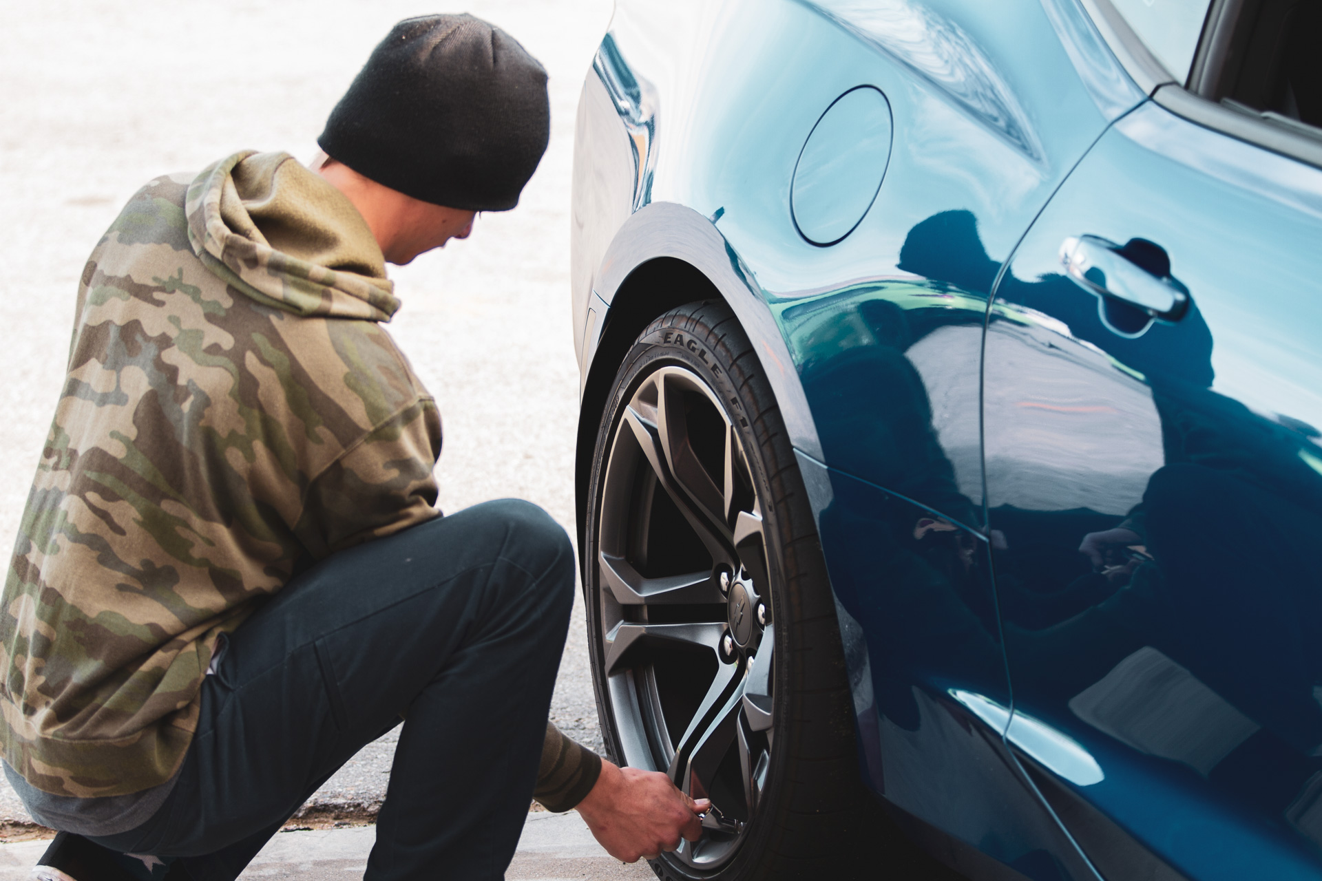 Bobby, BBi technician, checking tire pressures