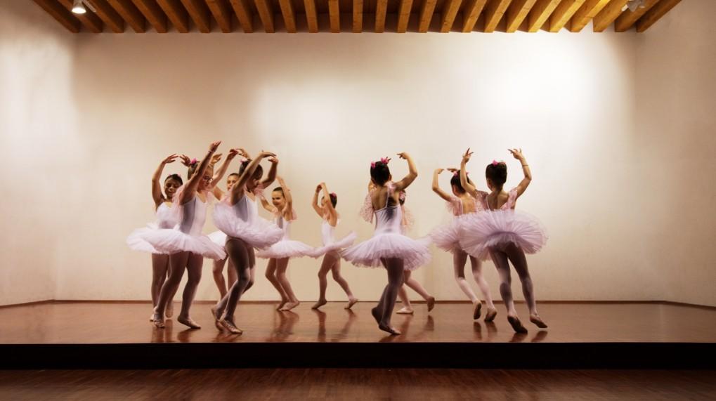 ballerinas-dancing (1).jpg