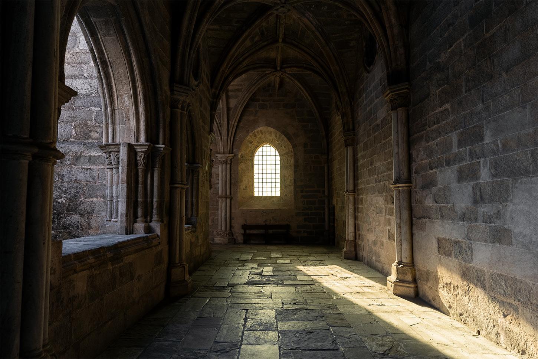 Lane Peters-Catedral de Évora Portugal.jpg