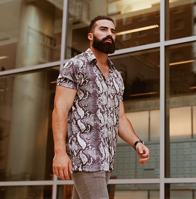 When the weekend sun is shining, ditch the long sleeve and go for custom made Austen Dor python print shirt #styleistailormade