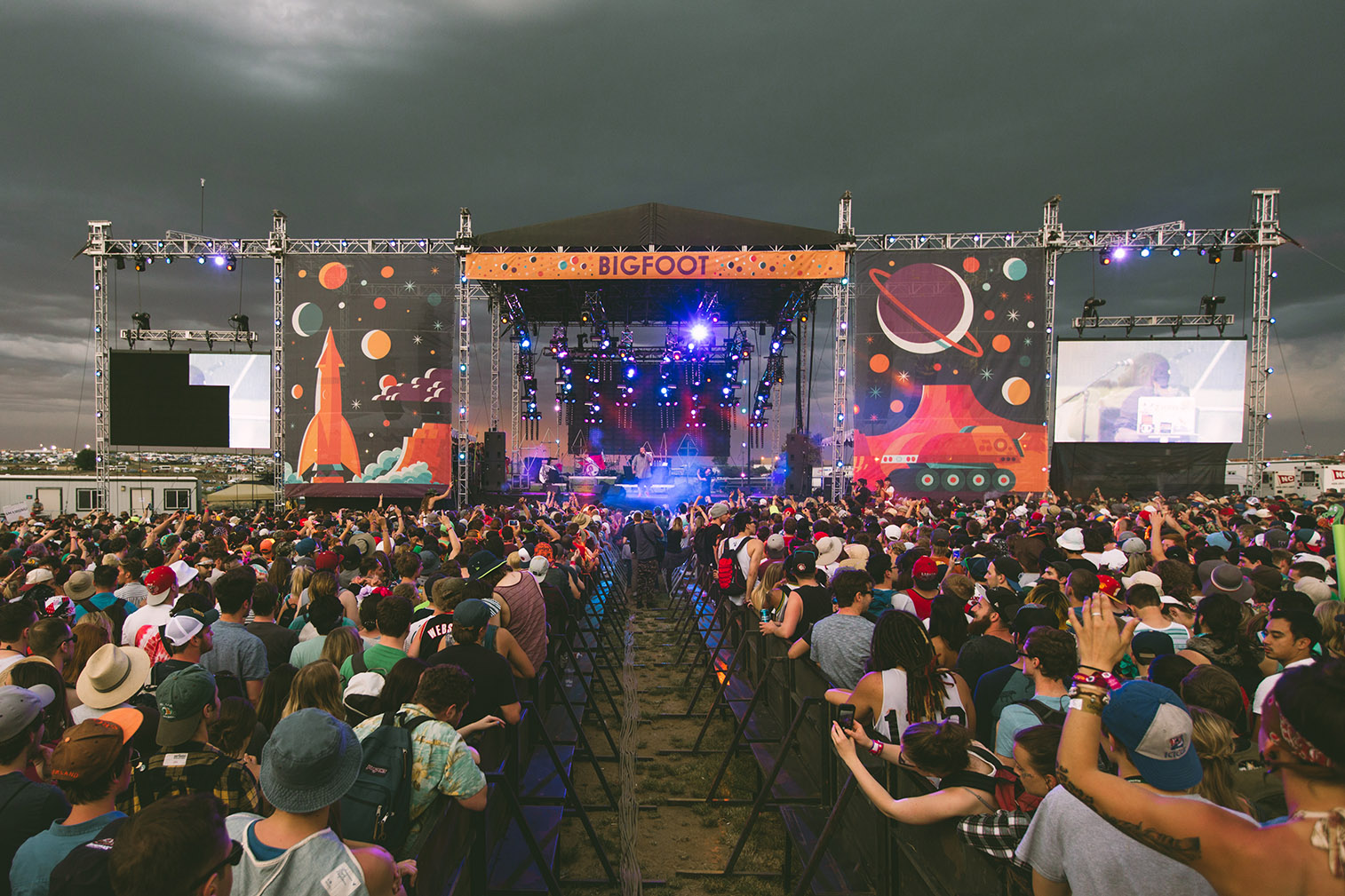 action-bronson-sunset-storm-sasquatch-2015-bigfoot-stage-clouds-sky-performance.jpg