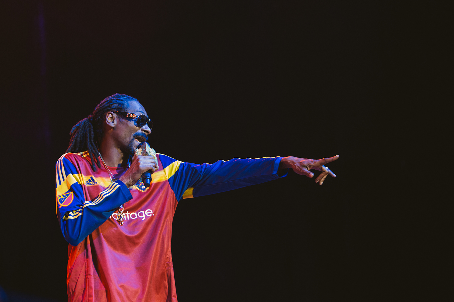 snoop-dogg-pointing-finger-utah-salt-lake-city-real.jpg