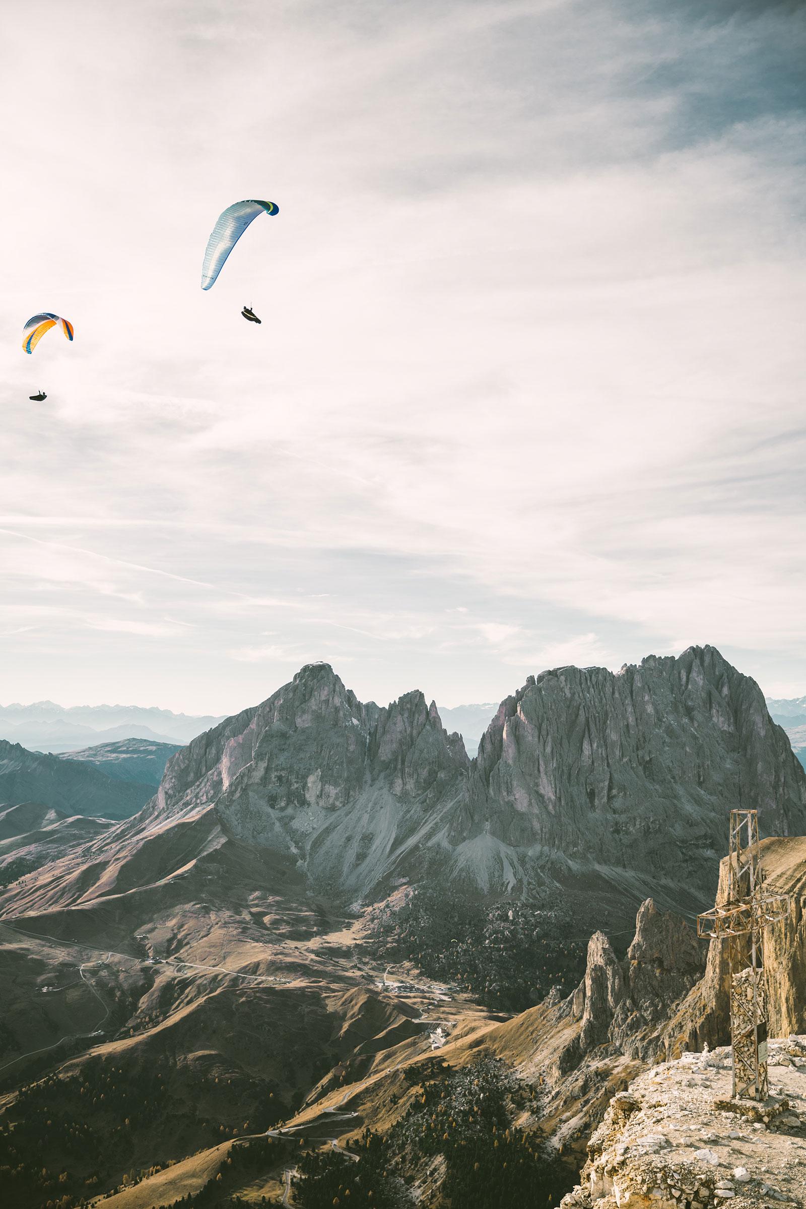 val-gardena-sass-pordoi-sass-pardoi-italy-the-dolomites-october-autumn-2017-paragliders-paragliding-mountains.jpg