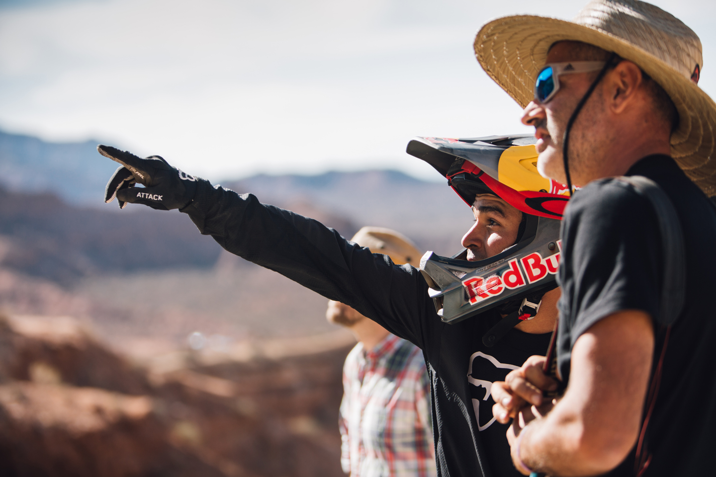 red-bull-rampage-18-andreu-lacondeguy-pointing-line.jpg
