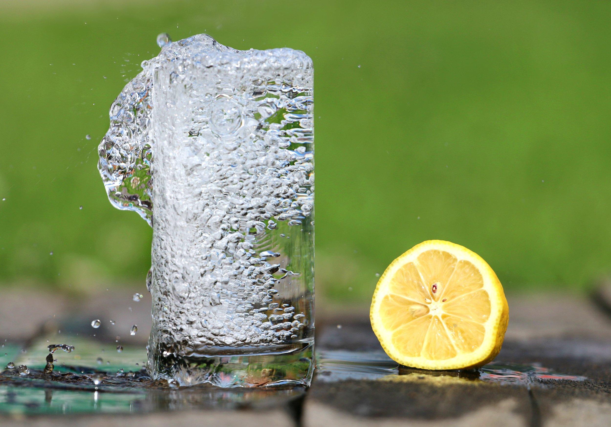 water-glass-heat-drink-161425.jpeg