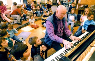 z-elementary school music program.jpg