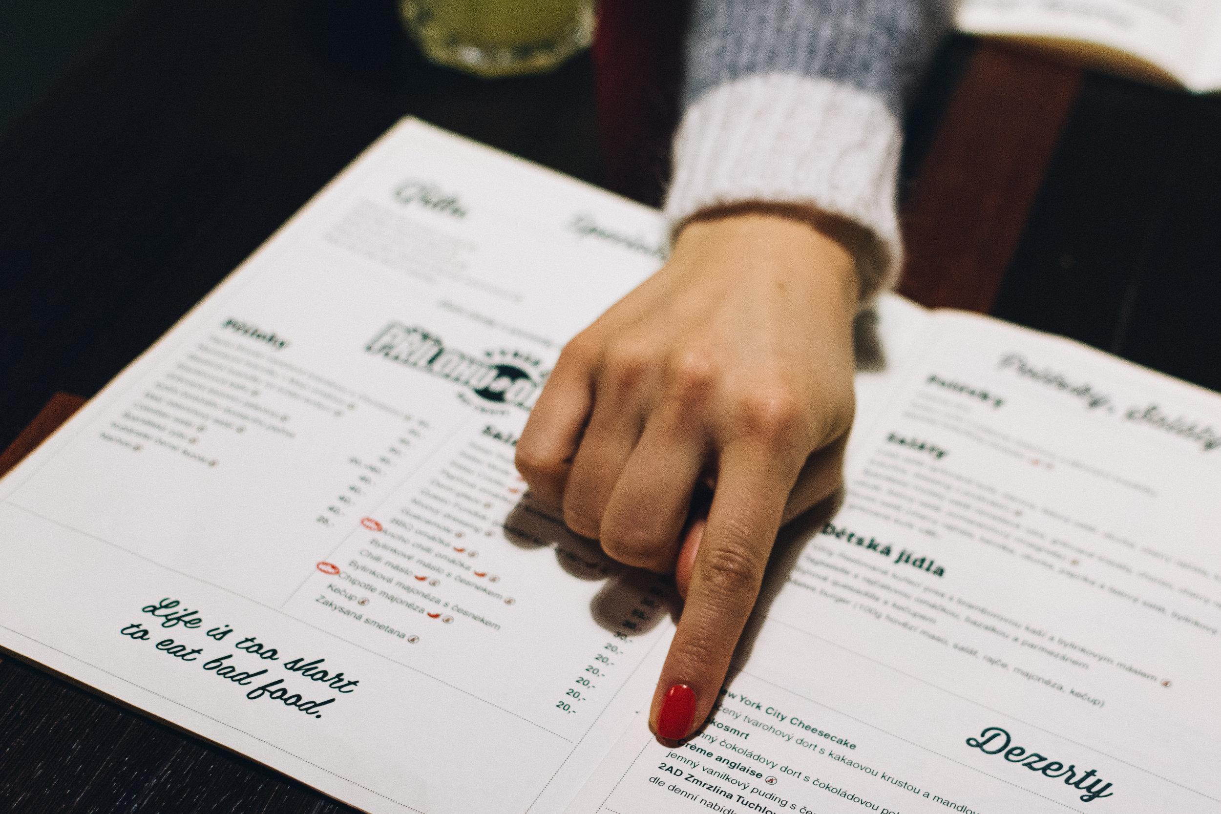 foodiesfeed.com_choosing-from-a-menu.jpg