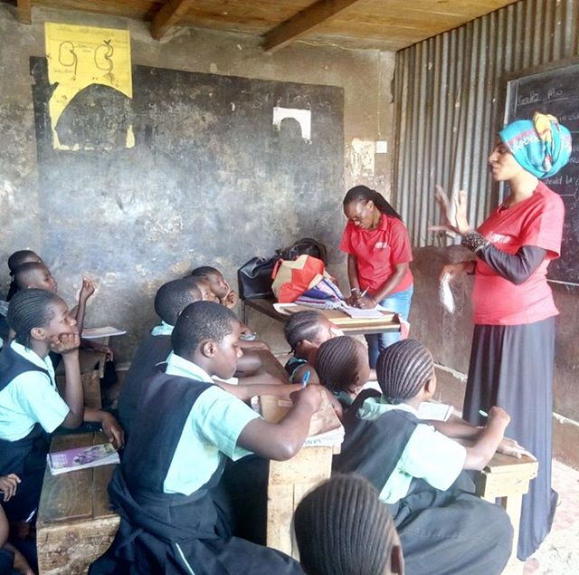 Cup training in Kibera, Kenya🙏❤️@jenniferweisswolf @cyclesandsex @monki @lunettecup #sustainable #periodsarecool #ecofriendly #girlpower #yoni #yoga #menstruation #menstrualcup #menstrualcups #periods #periodtalk #menstruationmatters #uterus #breakthetaboo #periodpositive #periodproblems #periodblood #menstrualhealth #menstrualhygiene #PeriodEmpowerment #empoweringwomen #HappyPeriod #MenstrualEducation #zerowaste #yoniverse #padsforsex #menstrual #dayofthegirl #cyclesandsex #cupsummit @florawis @madamegandhi @julesatto