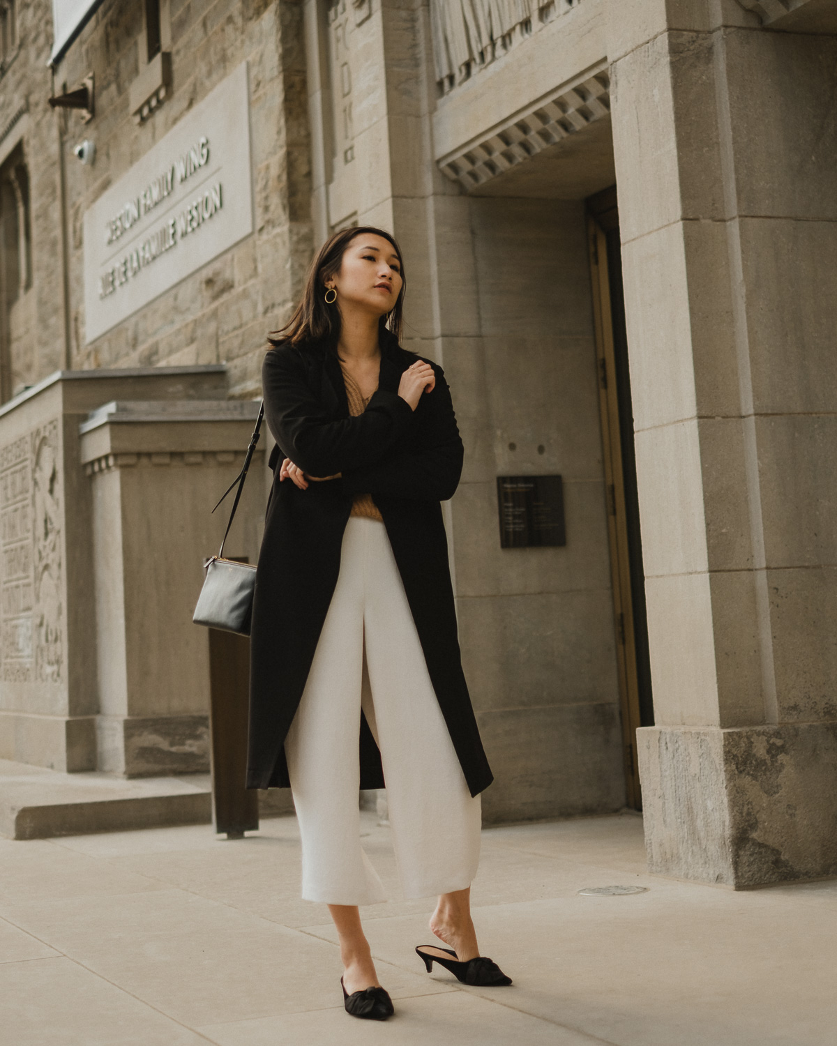 spring-outfit-white-trousers.jpg