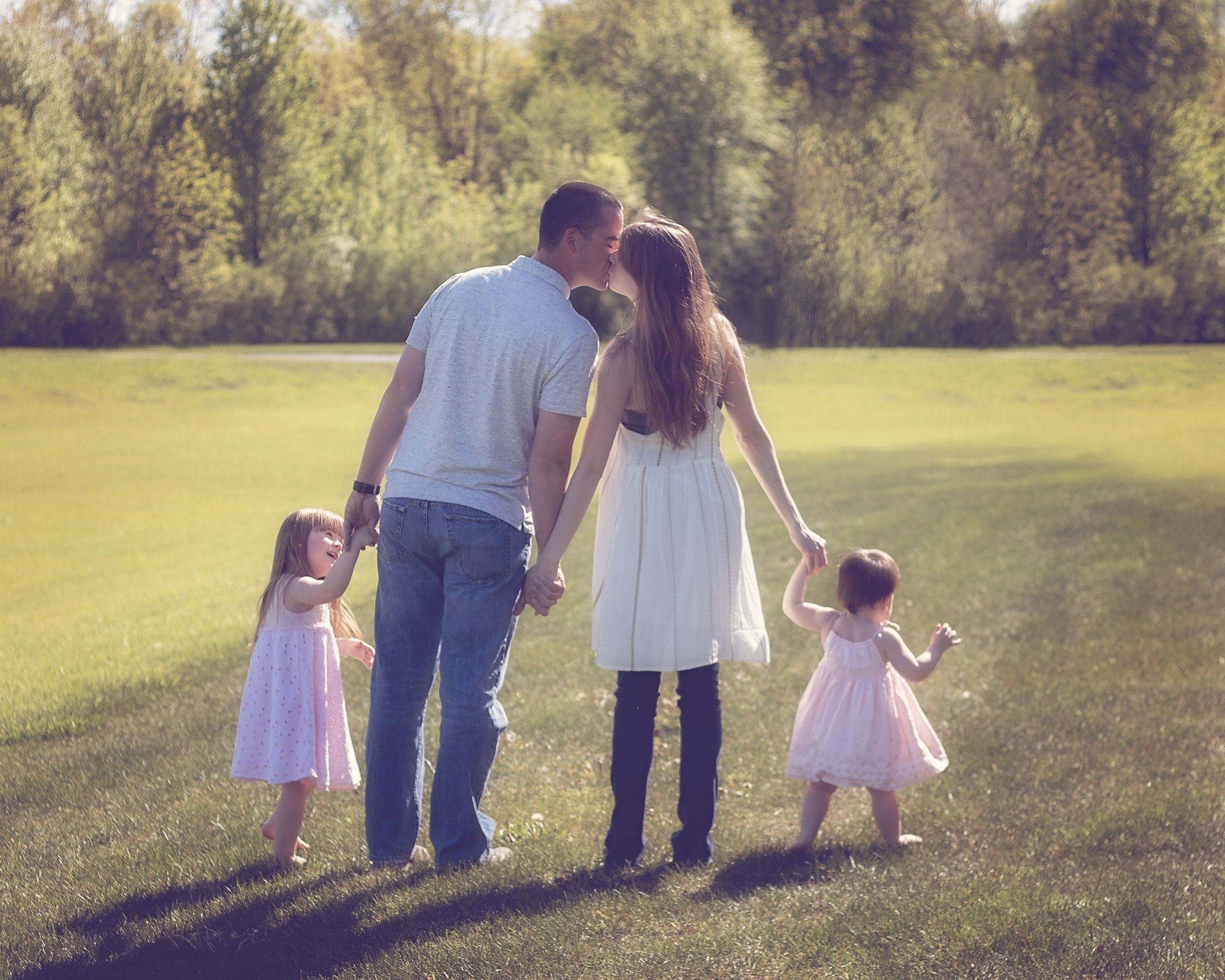 Family $210   Up to 6 family members included  10-15 high resolution images  Full retouch service included  Beautiful online gallery  Order professional prints and wall art directly from your gallery